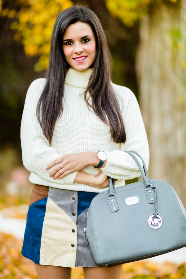 Patchwork skirt minifalda ante jersey blanco white sweater bolso gris Michael Kors bag reloj Cluse watches botas altas Nine West boots Crímenes de la Moda