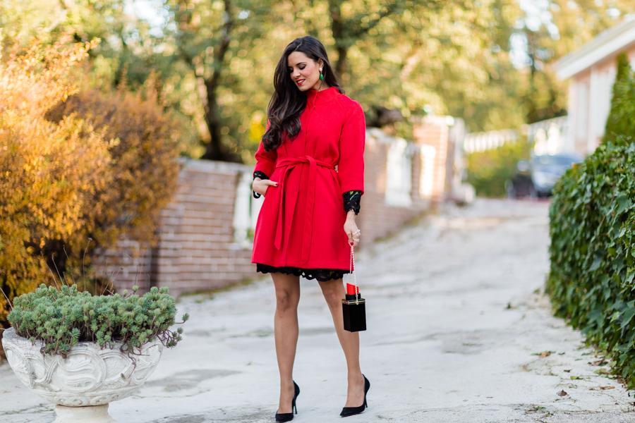 Vestido bordado flores look Navidad 2015 abrigo rojo red Coat bolso pintalabios Crímenes de la Moda Blog