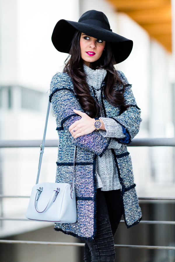 Gray and blue winter look tweed coat abrigo de lana azul Crimenes de la Moda blog