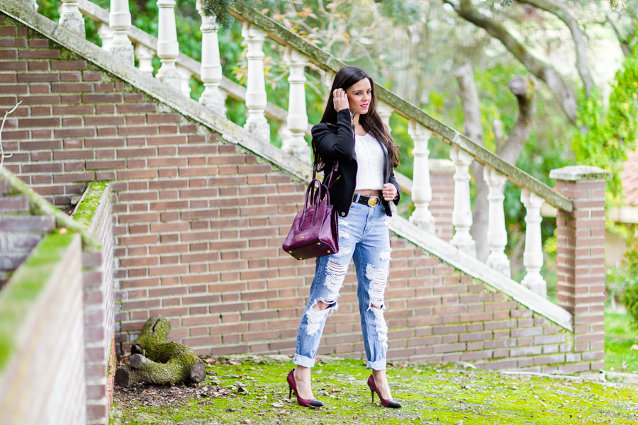 Destroy jeans and biker jacket bolso Bimba y Lola handbag look rockero Crimenes de la Moda blog