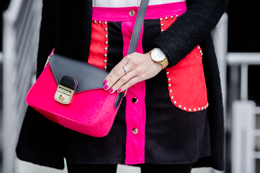 Colorful details Longchamp pink handbag Le Pliage Luxe Crimenes de la Moda blog