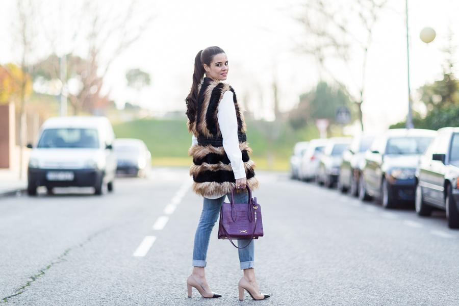 Chaleco de pelo Highly Preppy fur vest bolso burdeos piel Bimba y Lola handbag zapatos bicolor Uterqüe Crimenes de la Moda blog