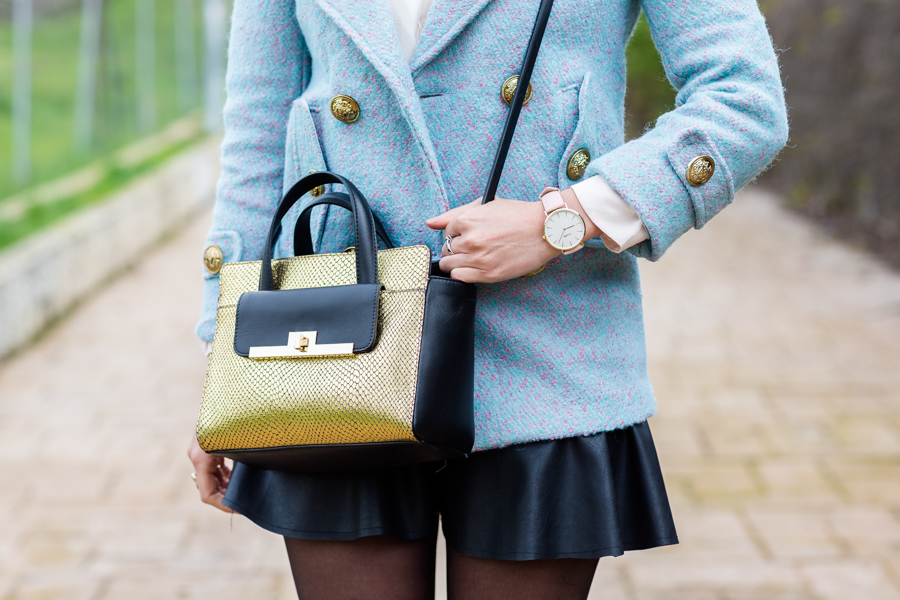 Gold details abrigo tweed coat bolso dorado &Other Stories gold leather handbag Crimenes de la Moda blog