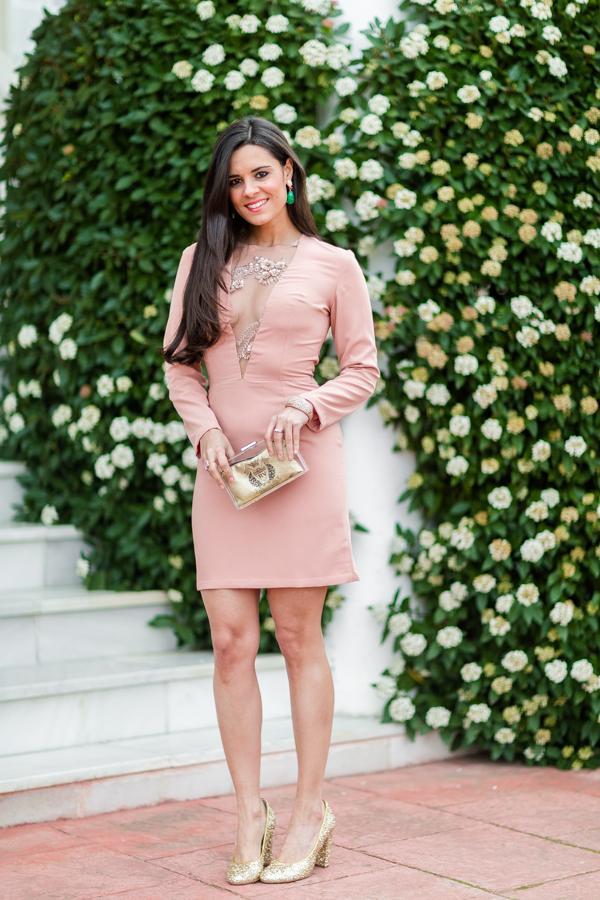 My Birthday Look Auxi Piedra Design vestido nude escote V transparente zapatos glitter dorados Miss Garcia clutch Roberto Verino Crimenes de la Moda blog