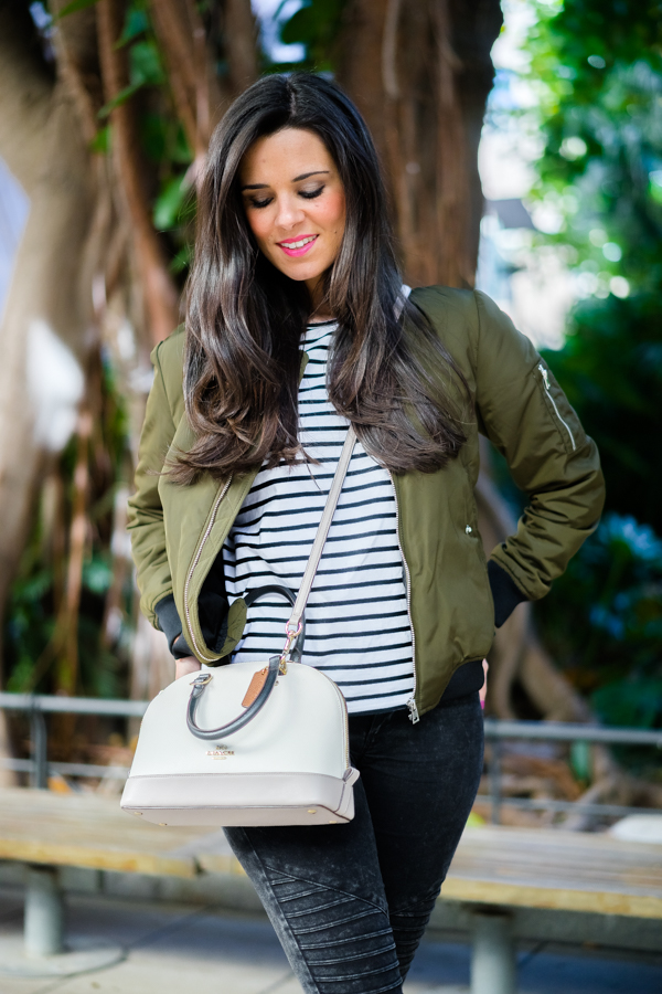 chaqueta bomber Zara green military bomber jacket bolso Coach handbag zpatillas Fred Perry sneakers Crimenes de la Moda blog