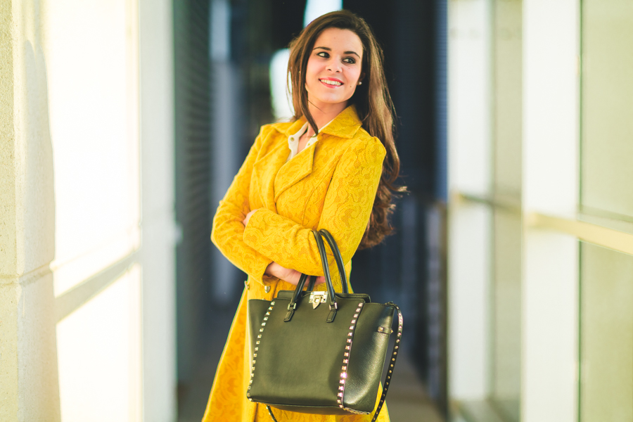 Yellow coat & Maison Lancome-16027-crimenesdelamoda