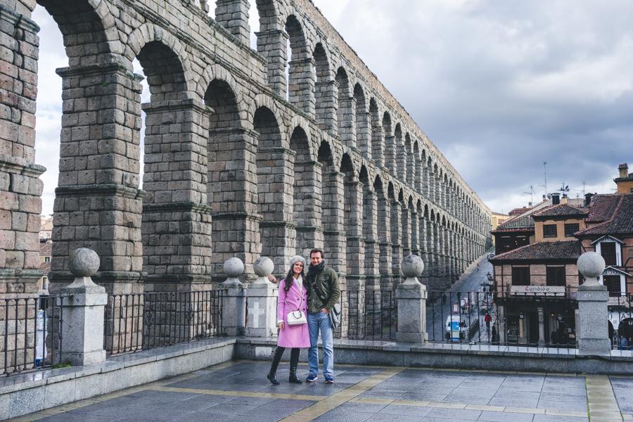 Segovia abrigo largo rosa long pink coat bolso Coach handbag botas Clarks boots Crimenes de la Moda blog