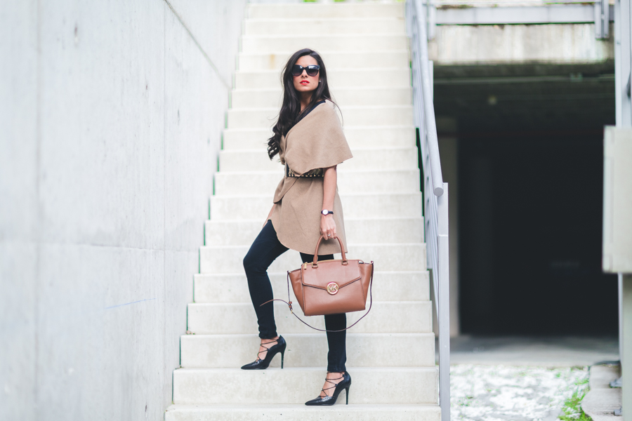Camel & Black look bolso Michael Kors handbag zapatos de tacón lace up shoes Zara Crimenes de la Moda blog Maria Jesus Garnica Navarro