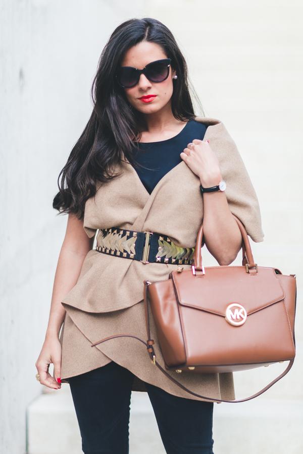 Camel & Black look bolso Michael Kors handbag zapatos de tacón lace up shoes Zara Crimenes de la Moda blog Maria Jesus Garnica Navarro