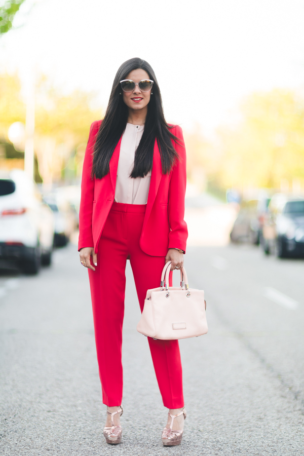 Red suit-16763-crimenesdelamoda