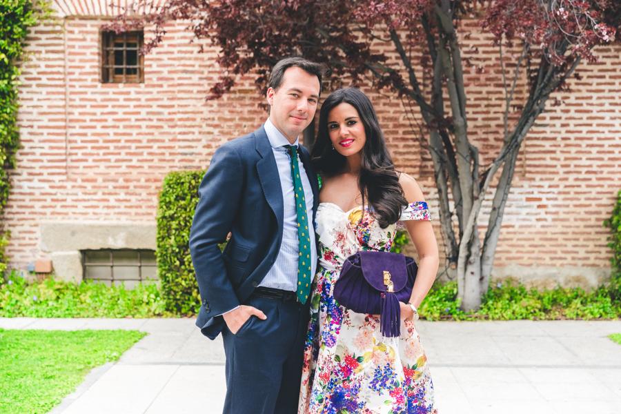 Look de invitada boda de día Jorge de la Rosa vestido de flores estilo lady floral dress sandalias Pura Lopez sandals Lovestory novias Crimenes de la Moda blog Maria Jesus Garnica Navarro