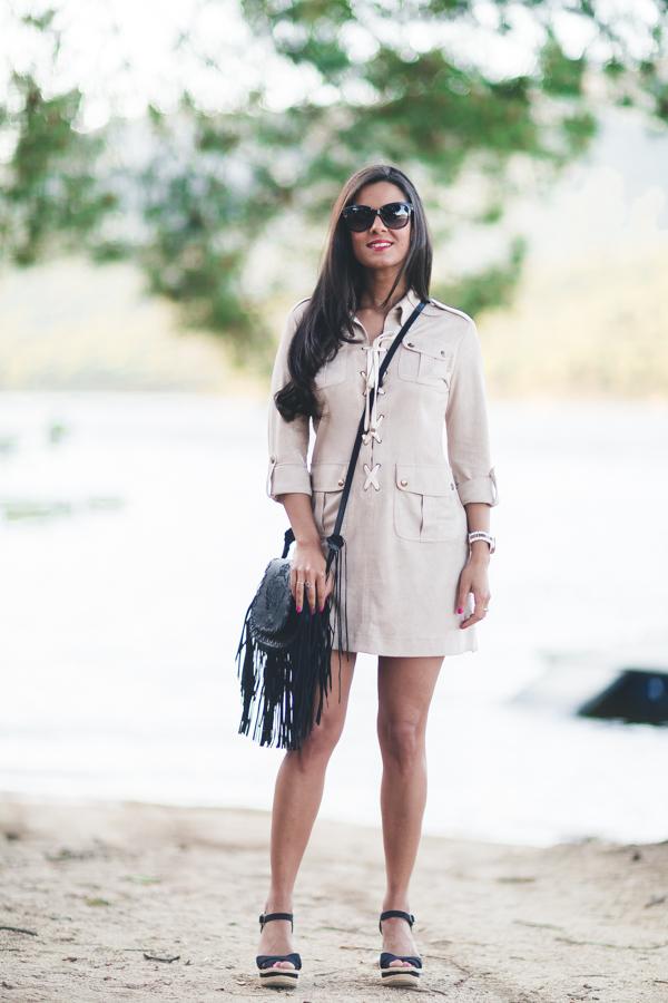 Safari dress Highly Preppy spring summer 2016 bolso de flecos fringed handbag cuñas Nine West wedges Crimenes de la Moda blog Maria Jesus Garnica Navarro