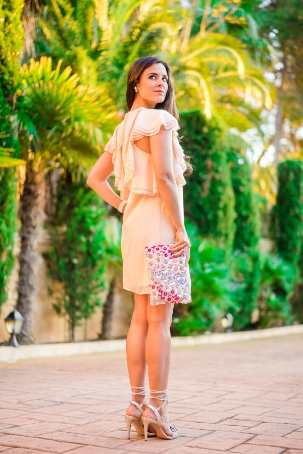 Look BBC boda de dia bautizo comunion graduacion vestido volantes rosa Asos bolso flores 3d Accessorize sandalias Pedro Miralles Crimenes de la Moda Maria Jesus Garnica Navarro