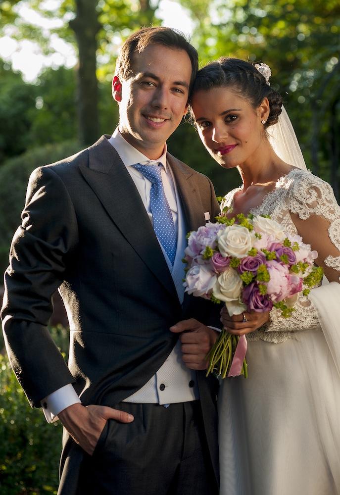 Nuestro primer aniversario de boda-17902-crimenesdelamoda