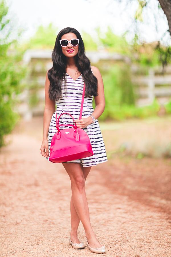 Striped lady dress vestido de rayas Molupita gafas de sol Uterqüe sunglasses bolso rosa Coach pink handbag bailarinas Marc by Marc Jacobs mouse flats Crimenes de la Moda blog Maria Jesus Garnica Navarro