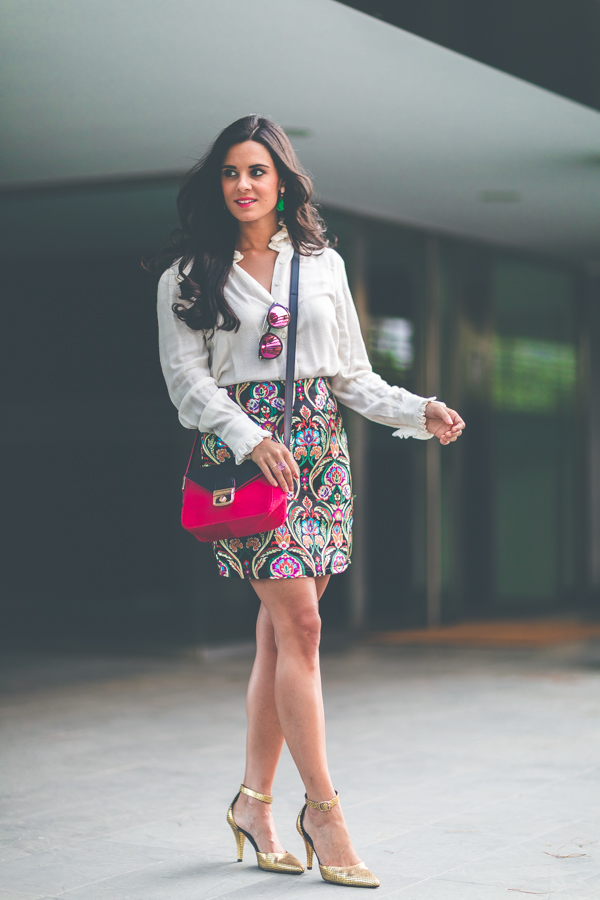 Jacquard Skirt Misguided falda brocada blusa victoriana Highly Preppy blouse bolso Longchamp bag zapatos dorados &Other Stories shoes Crimenes de la Moda blog Maria Jesus Garnica