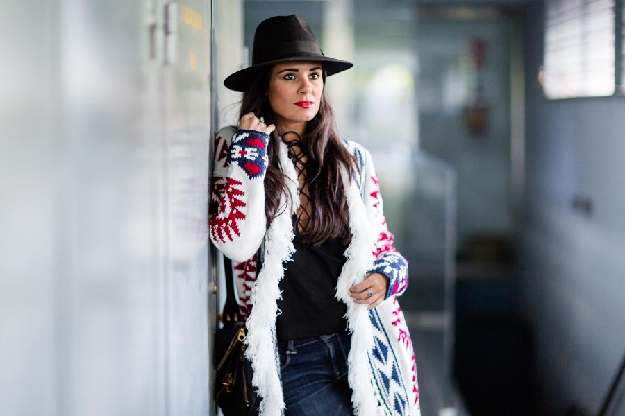 Maxi cardigan chaqueta de punto estampado étnico lace top Crimenes de la Moda blog Maria Jesus Garnica Navarro