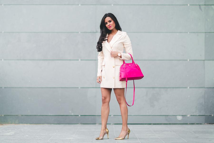 Vestido Esmoquin nude Tuxedo Dress blazer bolso rosa fucsia Coach fuchsia pink bag gold stilettos Crimenes de la moda blog Maria Jesus Garnica Navarro