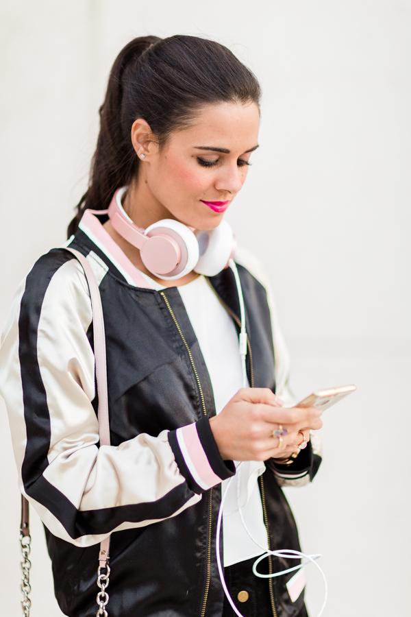 Chaqueta bomber jacket auriculares Urbanista headphones Crimenes de la Moda blog Maria Jesus Garnica Navarro