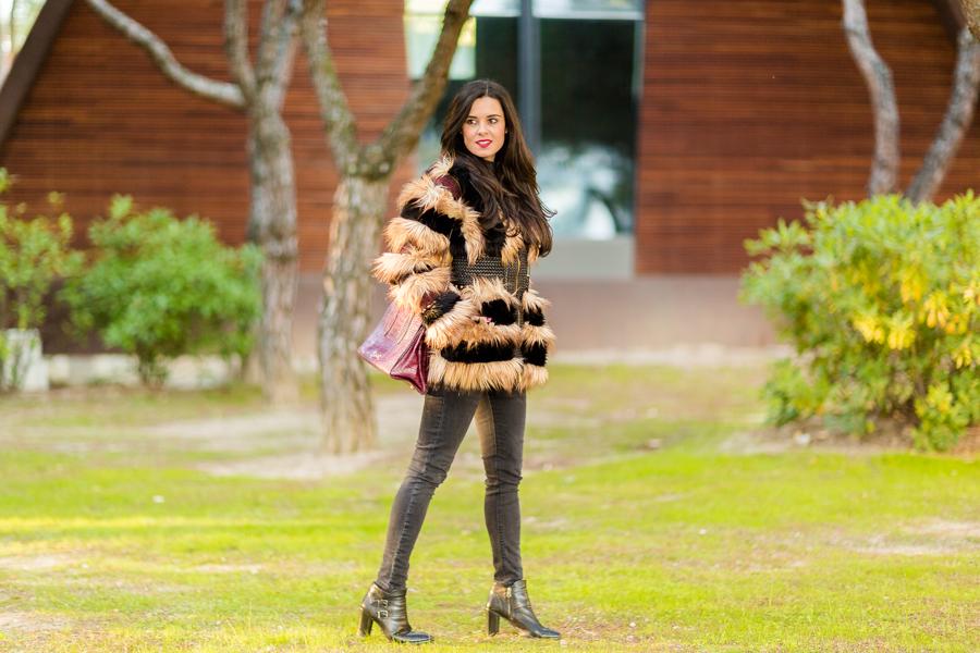 Yeti coat abrigo de pelo Highly Preppy Crimenes de la Moda blog Maria Jesus Garnica Navarro
