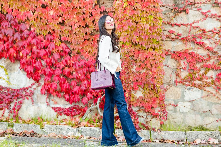 Autumn look de otoño jersey con cordones bolso burdeos Bimba y Lola jeans acampanados Crimenes de la Moda blog Maria Jesus Garnica Navarro