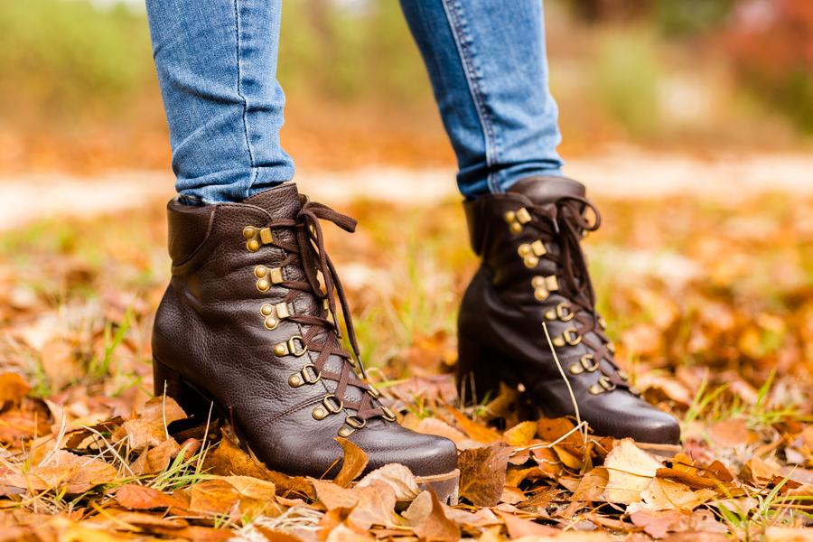 Weekend look cazadora estilo aviador bolso Burberry bag botines Pedro Miralles boots Crimenes de la Moda blog Maria Jesus Garnica Navarro