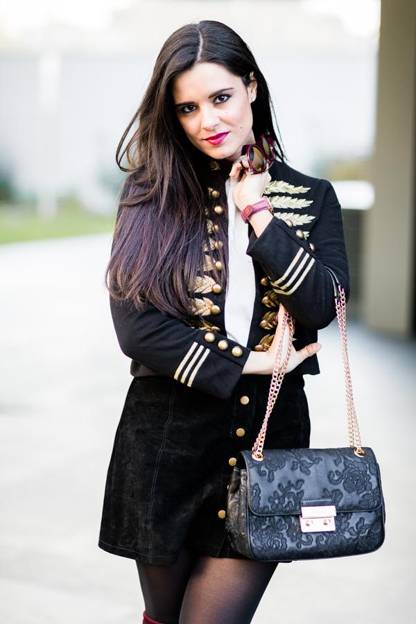 Burgundy boots botas mosqueteras burdeos military jacket chaqueta militar bolso Michael Kors bag Crimenes de la Moda blog Maria Jesus Garnica Navarro