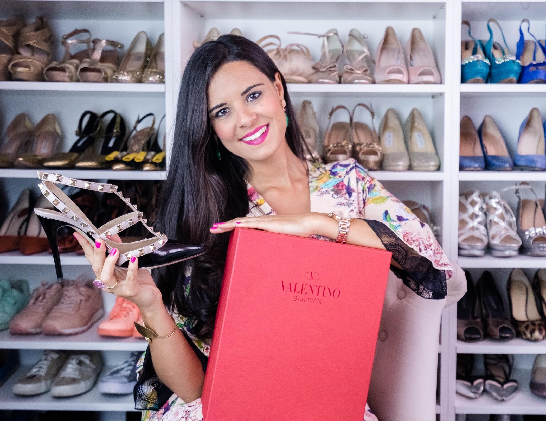 Vídeo Unboxing zapatos Valentino Rockstud-23256-crimenesdelamoda