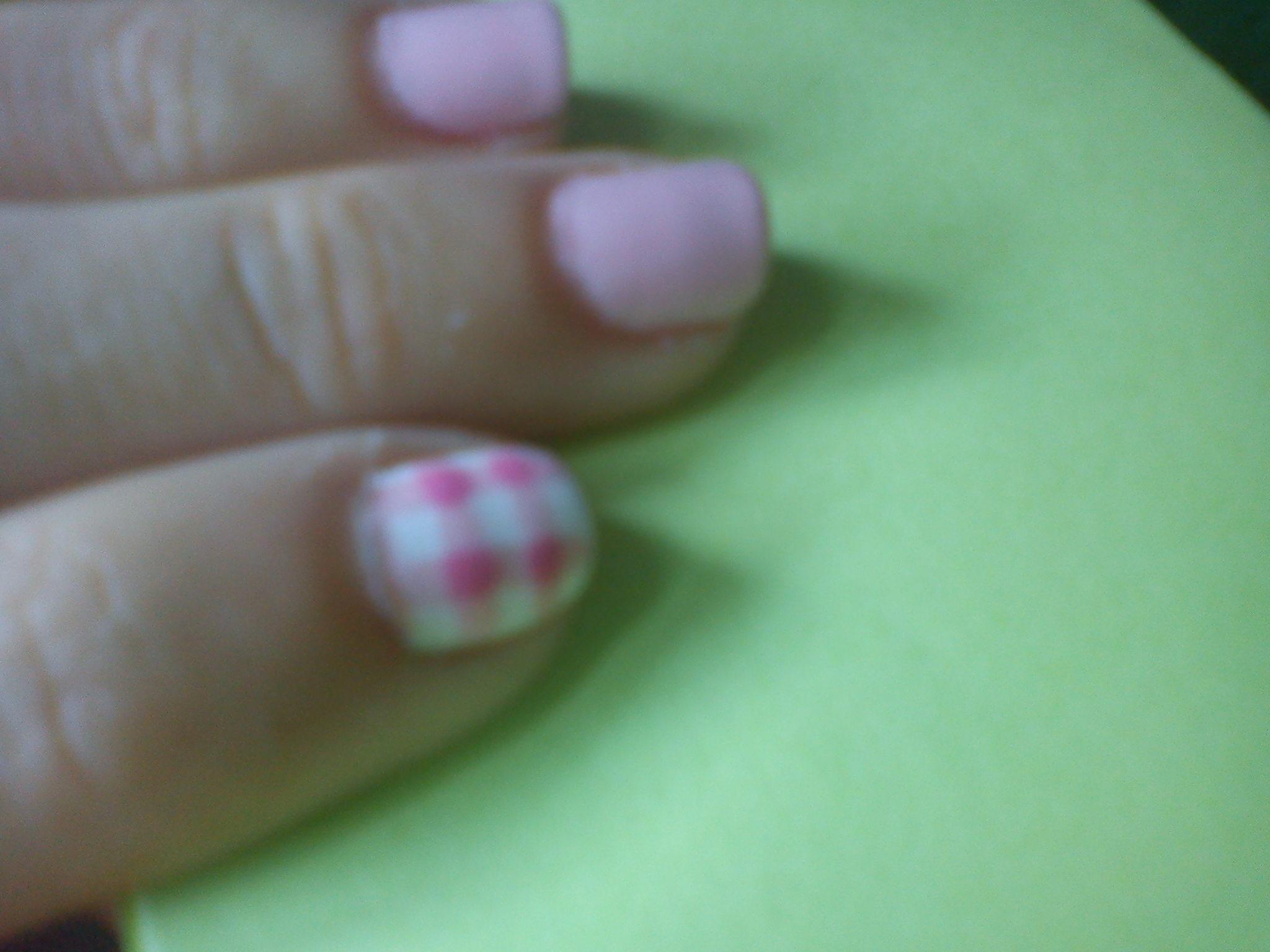 Pink picnic nails Sin categoría - Breakfast at Tiffanys