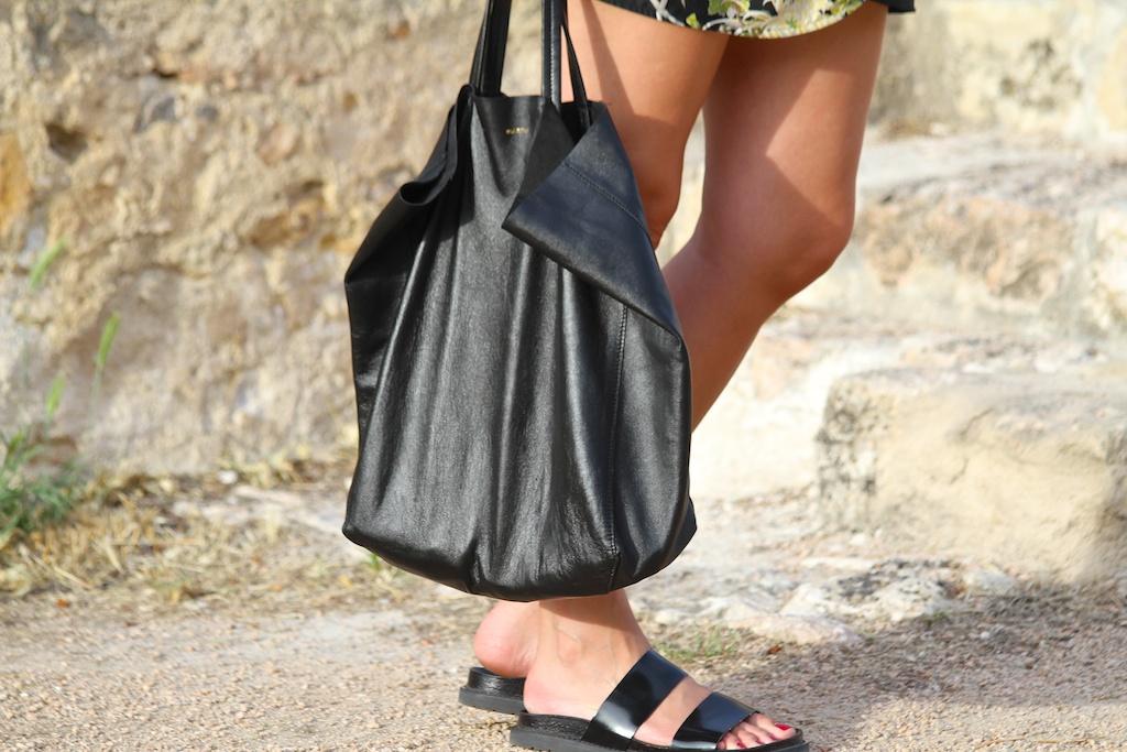lambskin tote bag black CÈLINE.descalzaporelparque
