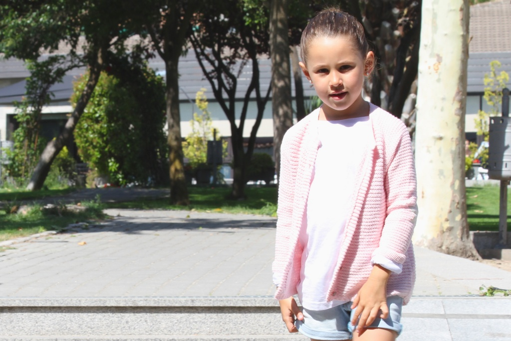 look ZARA kids.descalzaporelparque