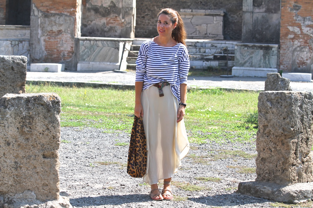 striped t-shirt ZARA+leopard bag H&M.descalzaporelparque