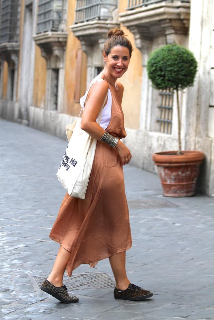 fashion, streetstyle,Roma,descalzaporelparque,blogger,dress,zara,sneakers,leopard,victoria,michael kors,bracelet,