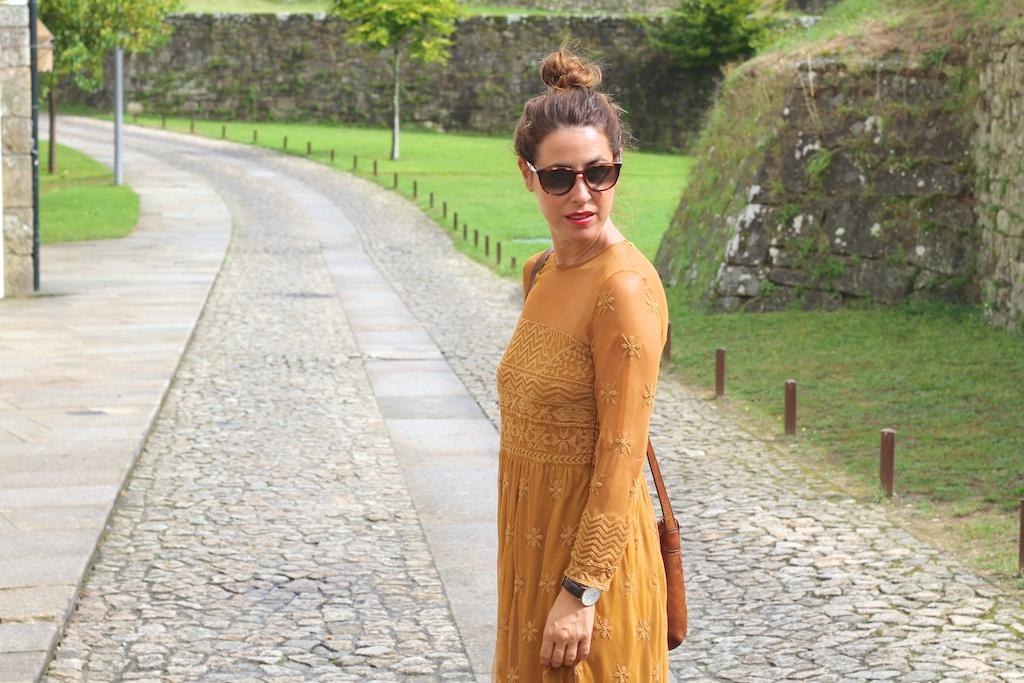 style,blogger,fashion, zara, streetstyle,embroidres dress, cèline, flea market,converse,descalzaporelparque