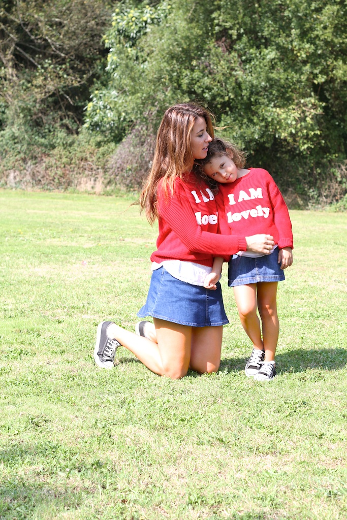 menime, converse,denim, fashion, kids, mommyblogger,miniblogger,children,zara,zarakids,red,kilt,jimena,descalzaporelparque