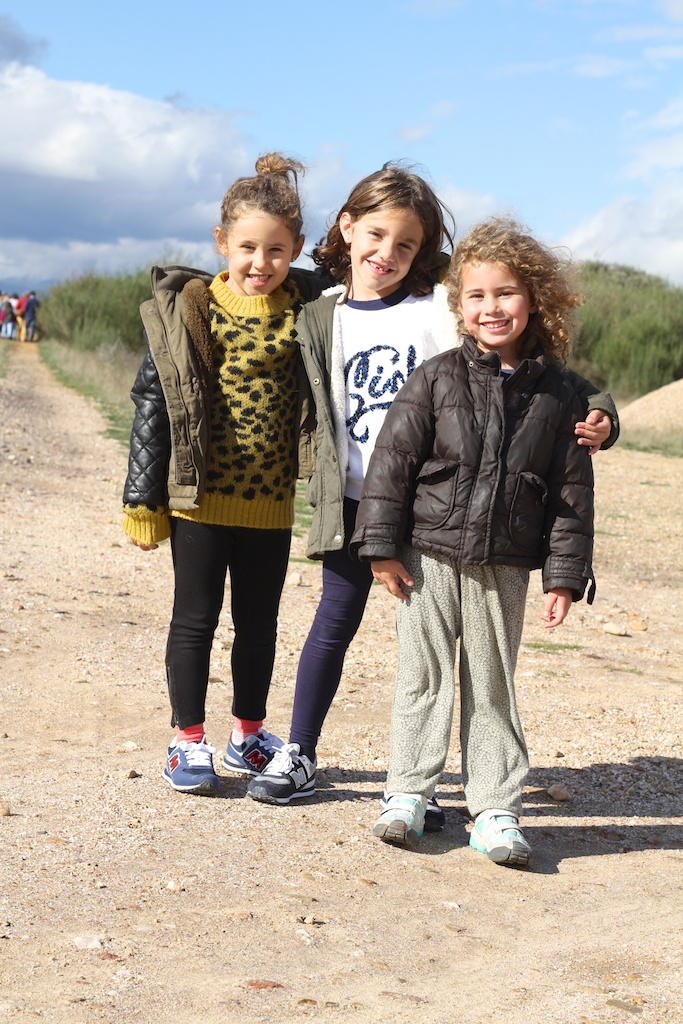 travel-Astorga-niños-viajar con niños-paisaje-friends-niñas-descalzaporelparque-bobo choses