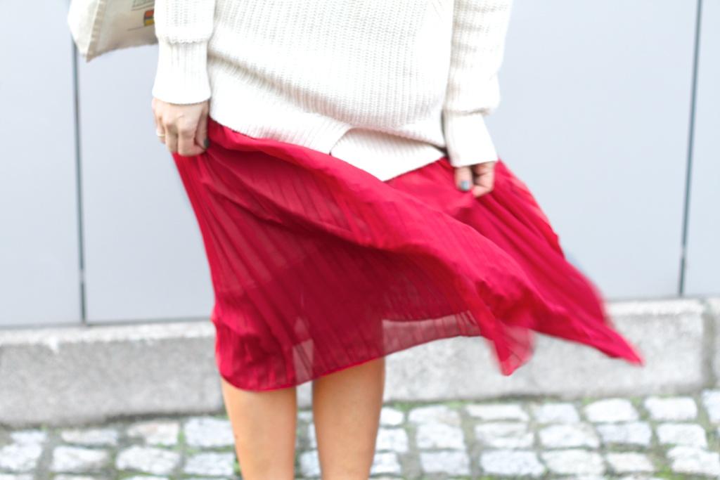 lifestyle-descalzaporelparque-vintage skirt-zara sweater