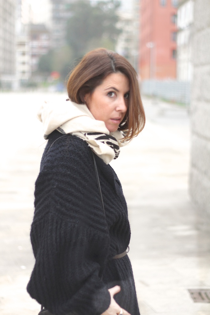 second hand-cardigan-scarf-descalzaporelparque