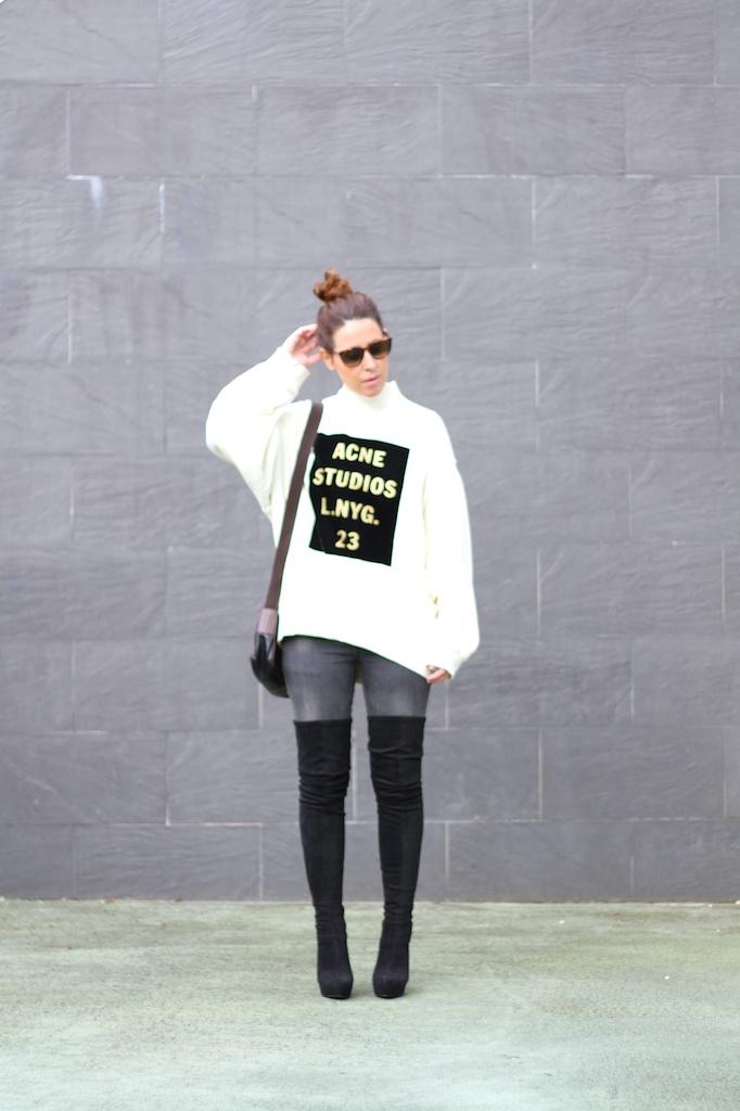 acne-studios-sweatshirt-fashion-streetstyle-prada-vintage