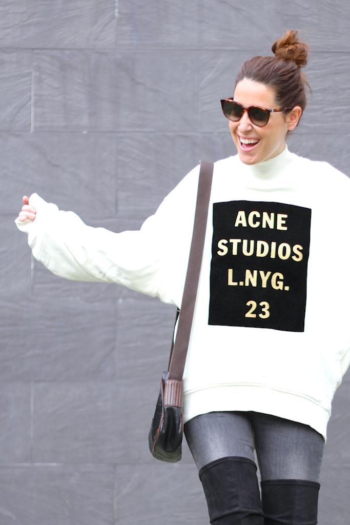 fashion-streetstyle-cèline-sunglasses-prada-bag