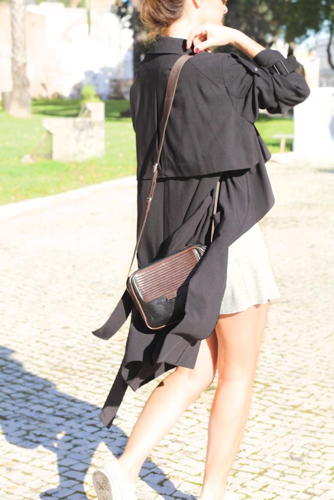 streetstyle-fashion-gabardina-negra