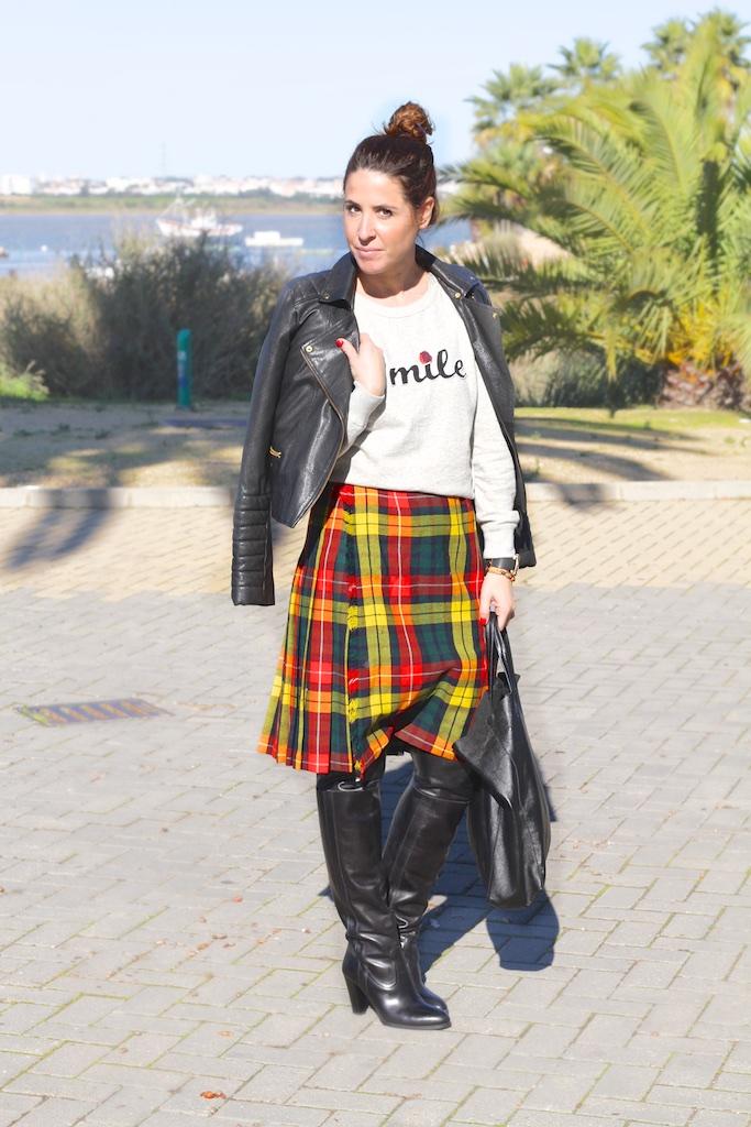 descalzaporelparque-botas-mosquetero-piel-perfecto-zara-falda-escocesa-vintage