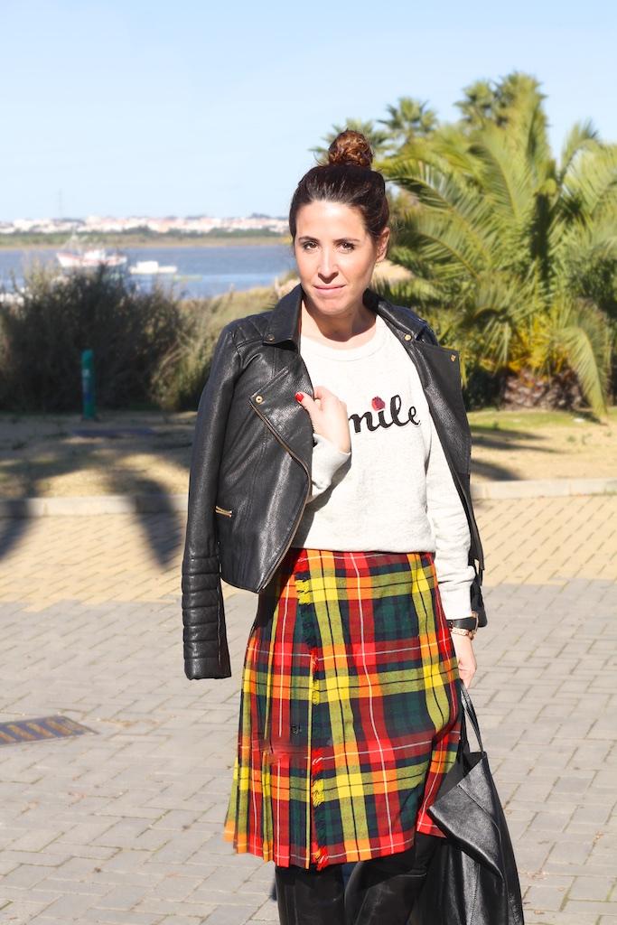 descalzaporelparque-piel-perfecto-zara-falda-escocesa-vintage