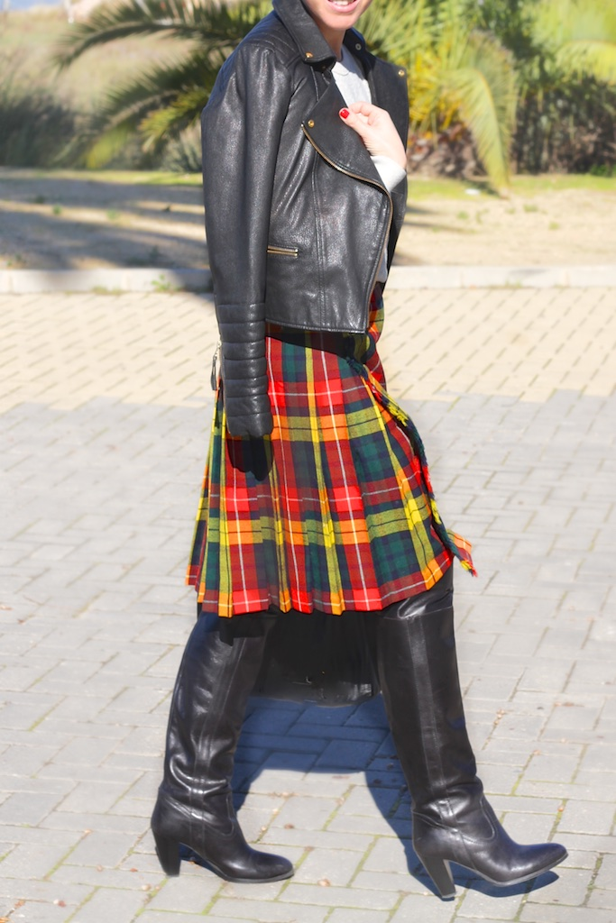 streetstyle-fashion-blogger-leather-jacket-isabel-marant-celine-bag-krak-online