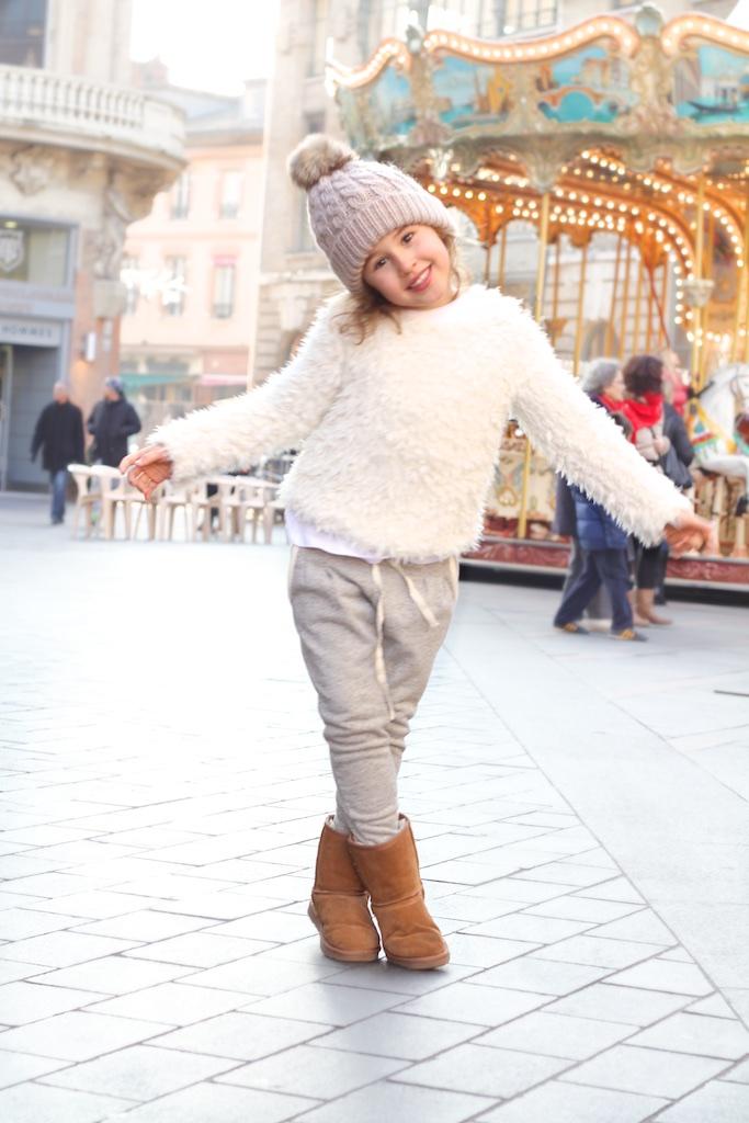 white-fashionkids-ministyle-jimena-zara-ugg-kids-jimena-streetstyle-zarakids