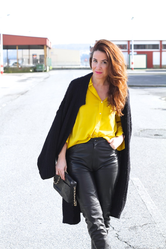 flea-market-fashion-leather-vintage-chanel-bag-descalzaporelparque