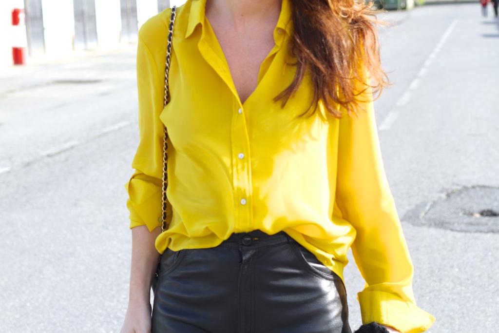yellow-zara-shirt-streetstyle-descalzaporelparque-flea-market-fashion-leather-vintage