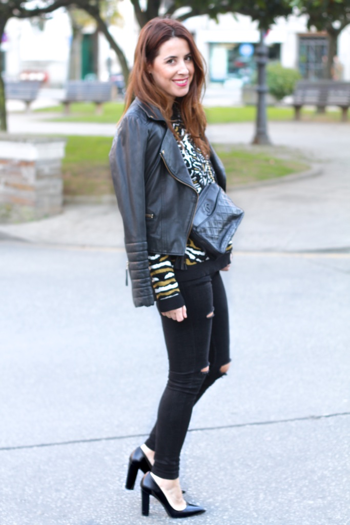 FASHION-blogger-sweatshirt-VEROMODA-black-leather-heels-vintage-bag-chanel-descalzaporelparque