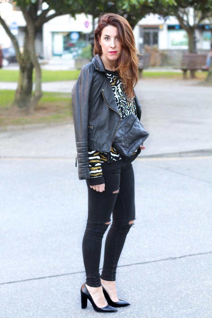 style-black-leather-heels-chanel-descalzaporelparque-fashionblogger