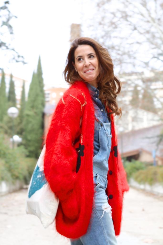cardigan-red-vintage-descalzaporelparque-mohair-loveitsara-tote-bag